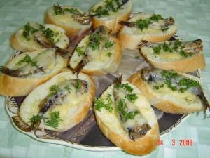 Украшение бутербродов со шпротами