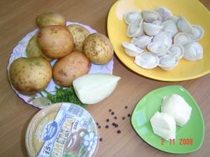 Бульон с картофелем и пельменями. Ингредиенты