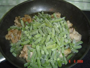 Курица со спаржевой фасолью.Шаг 2