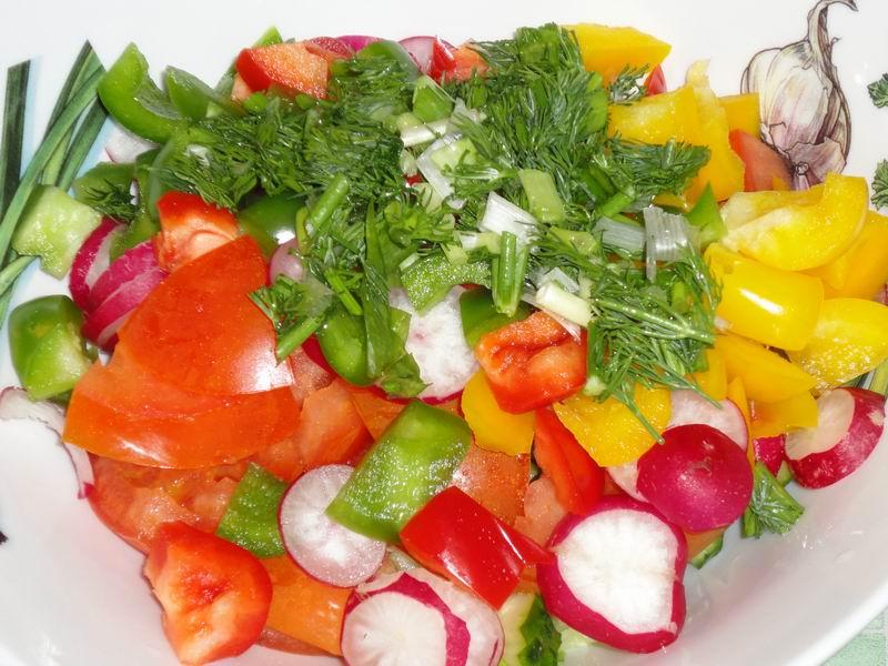 Оно полезное и не дорогое - источник многих витаминов, ненасыщенных жиров.